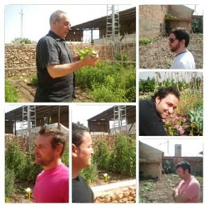 Jose Marco explicando algunas teorías de cultivo sostenible.