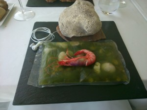 Gamba roja según Nazario Cano del restaurante Llum de Mar de Benidorm.